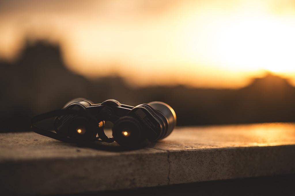 binoculars-people-search